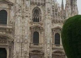 8. LA GRANDE MELA DELL ARTISTA MICHELANGELO PISTOLETTO